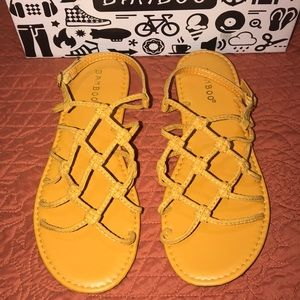 Bamboo knot your problem sandal